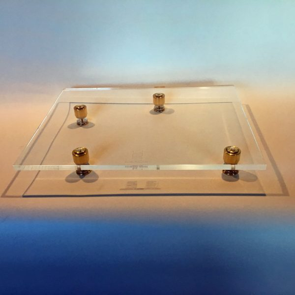 An acrylic platform with four magnetic levitation feet to float your turntable in the air.